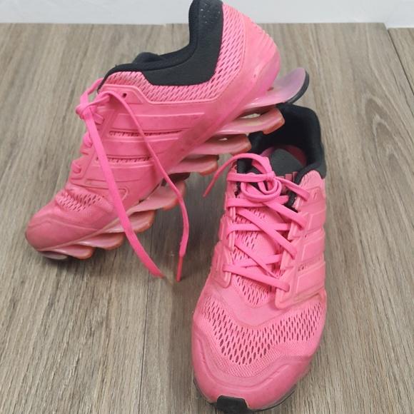 Le adidas springblade rosa a 75 poshmark sz